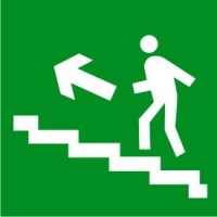 Е16 Направление к эвакуационному выходу по лестнице вверх (левосторонний)